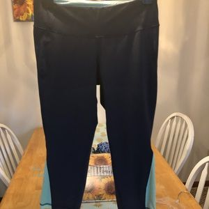 Old navy cropped leggings M grey w/ neon cutouts
